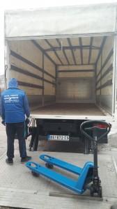 Kamion sa rampom (1)