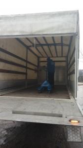 Kamion sa rampom (2)